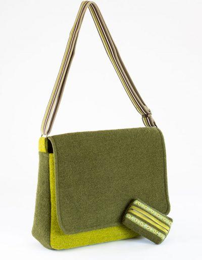 Umhängetasche mit Taschentuschbox aus grünem Loden/Filz